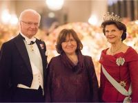 The Swedish Royal Family receives the Laureates and their significant others in the Prince's Gallery. From left to right: King Carl XVI Gustaf of Sweden, Literature Laureate Svetlana Alexievich and Queen Silvia of Sweden Copyright © Nobel Media AB 2015 Photo: Alexander Mahmoud
