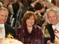 Svetlana Alexievich at the Nobel Banquet, 10 December 2015. On the left side sits Michael Sohlman, Former Executive Director of the Nobel Foundation and on the right side Svante Lindqvist, Professor and Marshal of the Realm Copyright © Nobel Media AB 2015 Photo: Alexander Mahmoud
