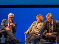 Second instalment of the German-Israeli reading and discussion: Federal Foreign Minister Steinmeier, S. Alexievich, L. Müller © Photo M. Kabakova