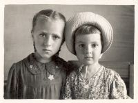 S.A. (right) with sister Tamara Photos from the archive of S. Alexievich