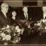Вручение премии Leipziger Buchpreis. Слева направо: Светлана Алексиевич, президент ФРГ Роман Герцог, 1999