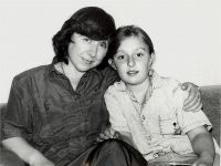 С племянницей Наташей, 1992 -- Фото из архива С. Алексиевич